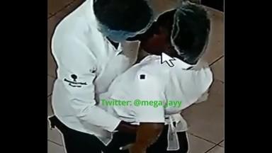 Des employés d'un restaurant pris en flagrat deli de baise par les cameras de surveillance